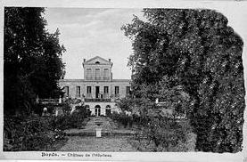 Carte postale ancienne du logis de l'Hopiteau. Photographie prise du parc.